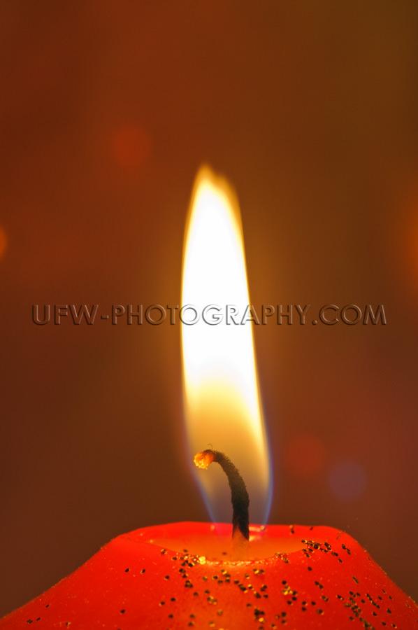 Makroaufnahme Docht Kerze Flamme Golden Glitzern Defokussierter