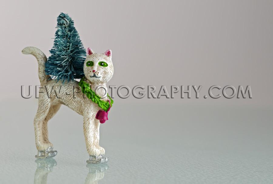 Originell Weihnachten Schlittschuhlaufen Katzenfigur Auf Dem Eis