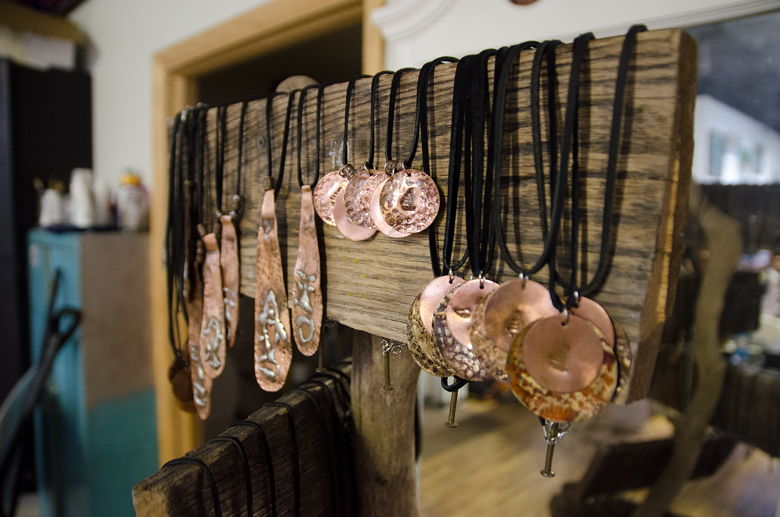 Handcrafted metal necklaces at Nativibes.