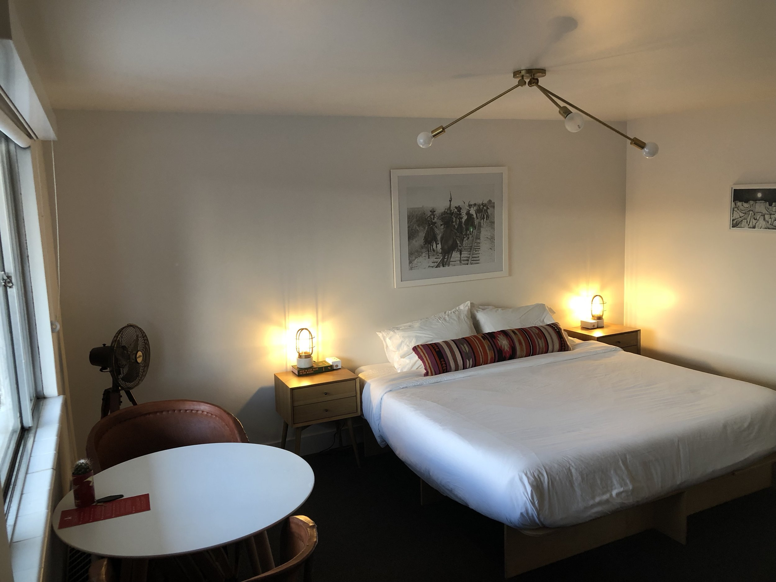 Traditional motel rooms are also available at the Amigo Lodge.