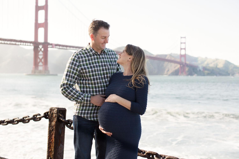 golden-gate-bridge-maternity-photos
