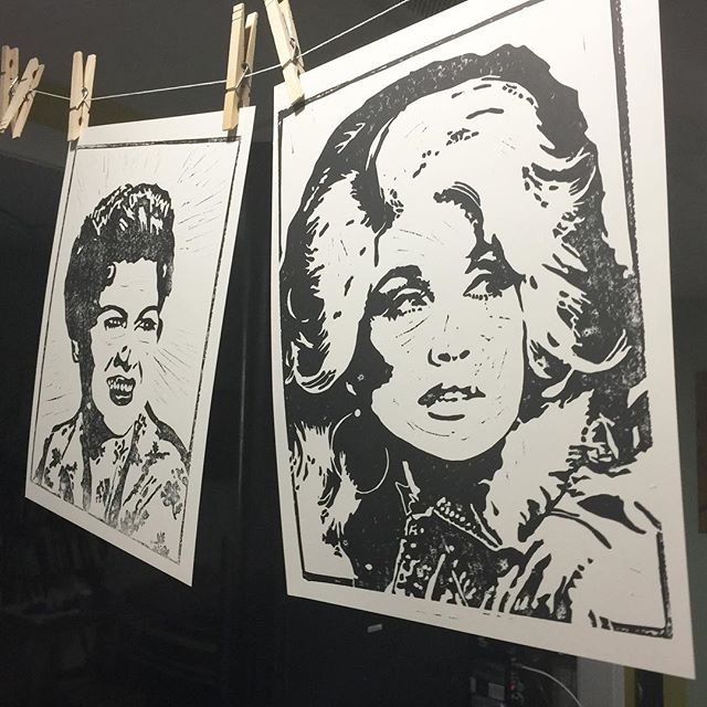 Patsy and Dolly. --- #oldnashville #blockprint #linocut #nashville #linoprint #printmaking