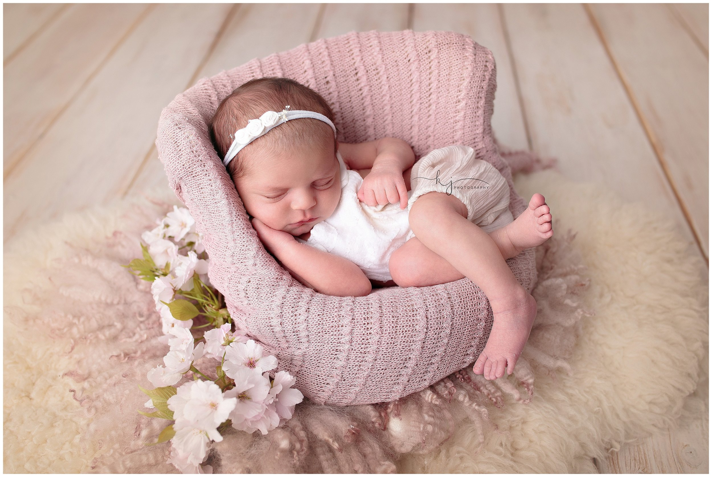kirkland Wa newborn photographer.jpg