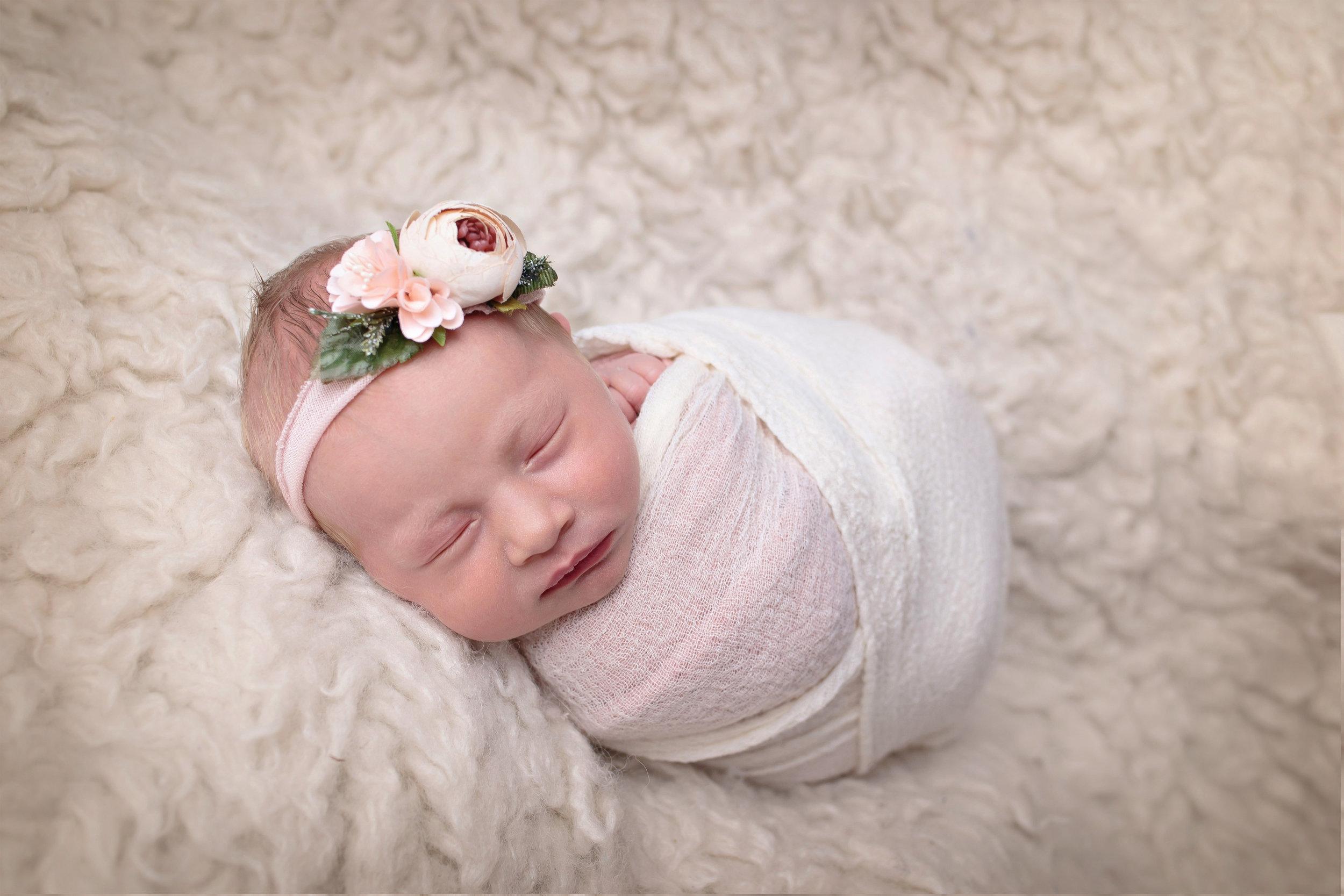 Snohomish County newborn photographer (5).jpg