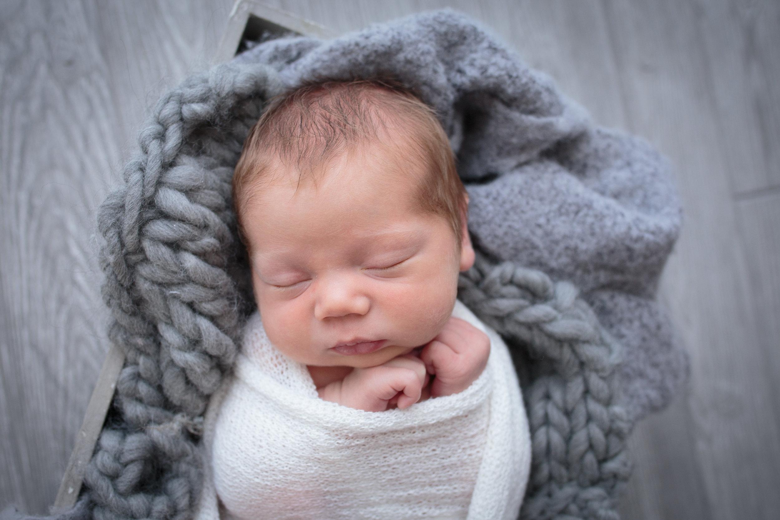 Snohomish County newborn photographer.jpg