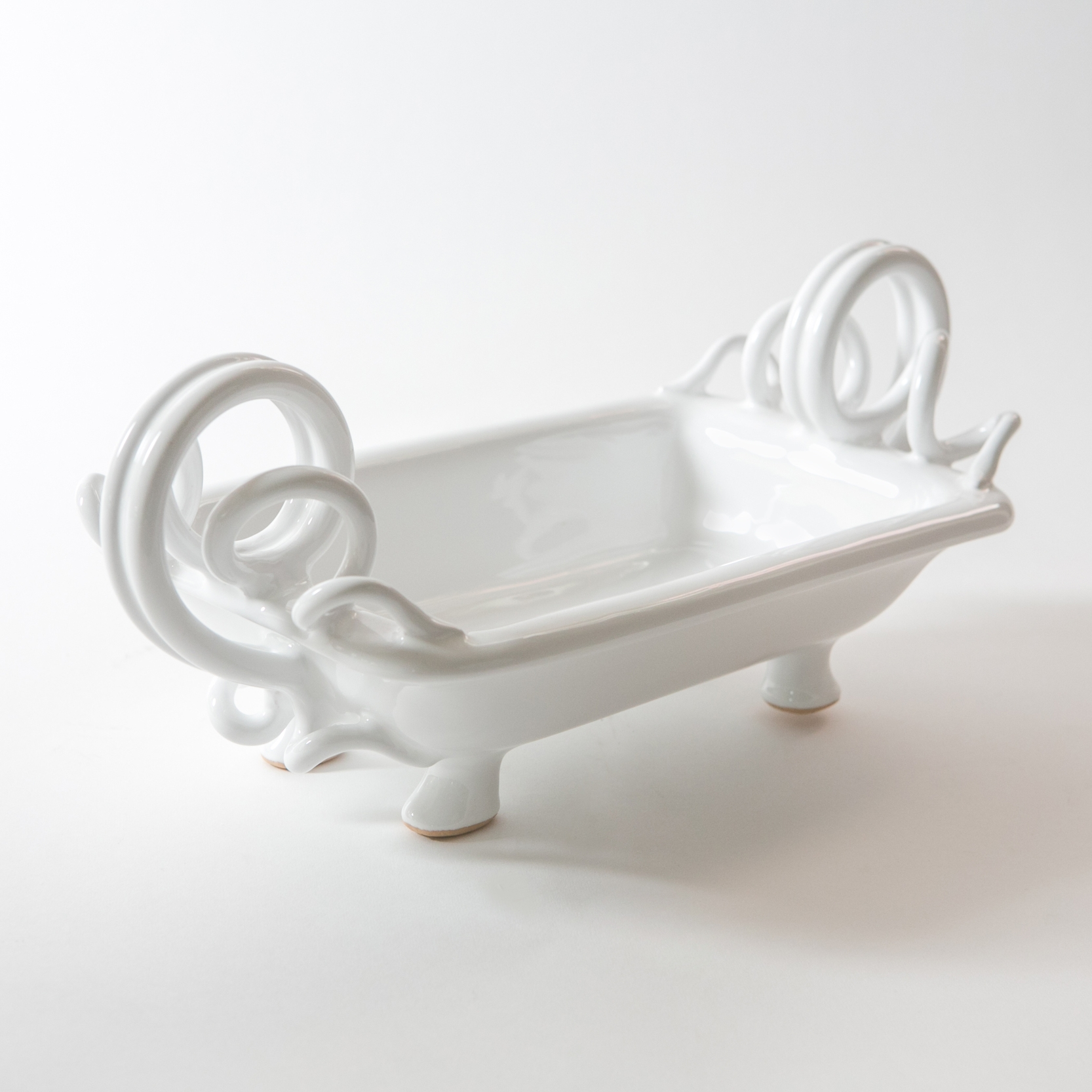 14. GdS - Enza Fasano Centerpiece with Ornamental Handles.jpg
