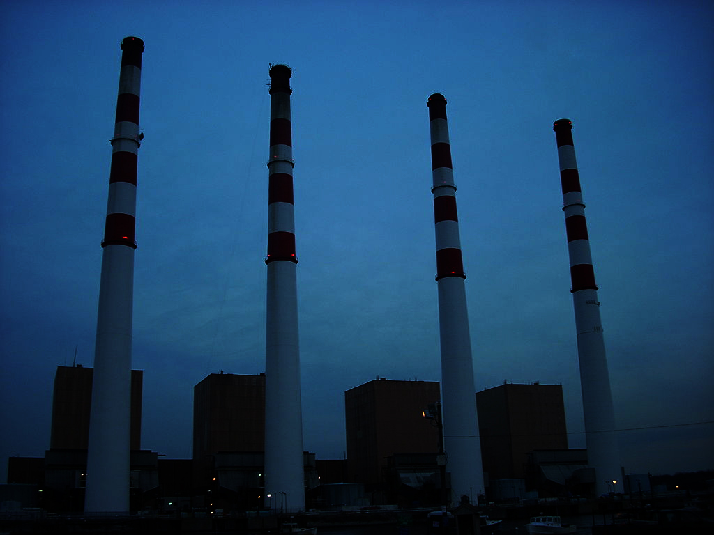 Northport Power Station, image from Wikimedia Commons, Fmtownsmarty.