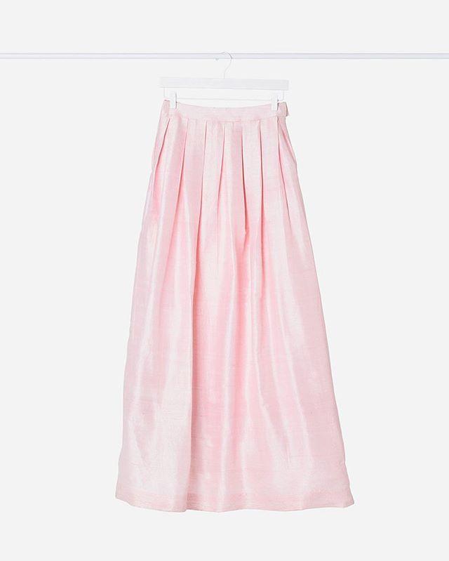 The prettiest pleats on our Nixon Skirt #rawsilk #indianfashion #boxpleats #blush