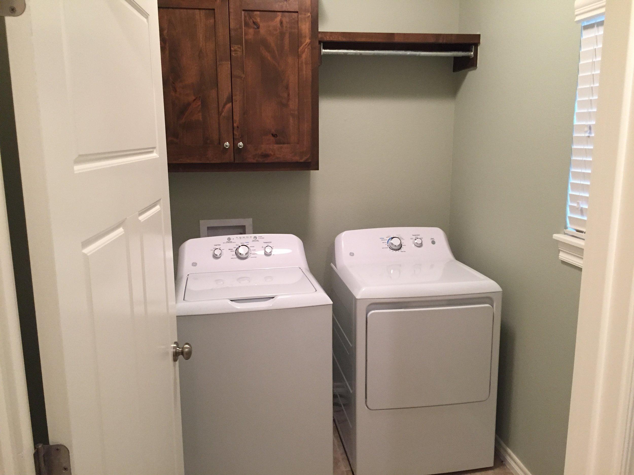 3420 Madison Laundry.JPG