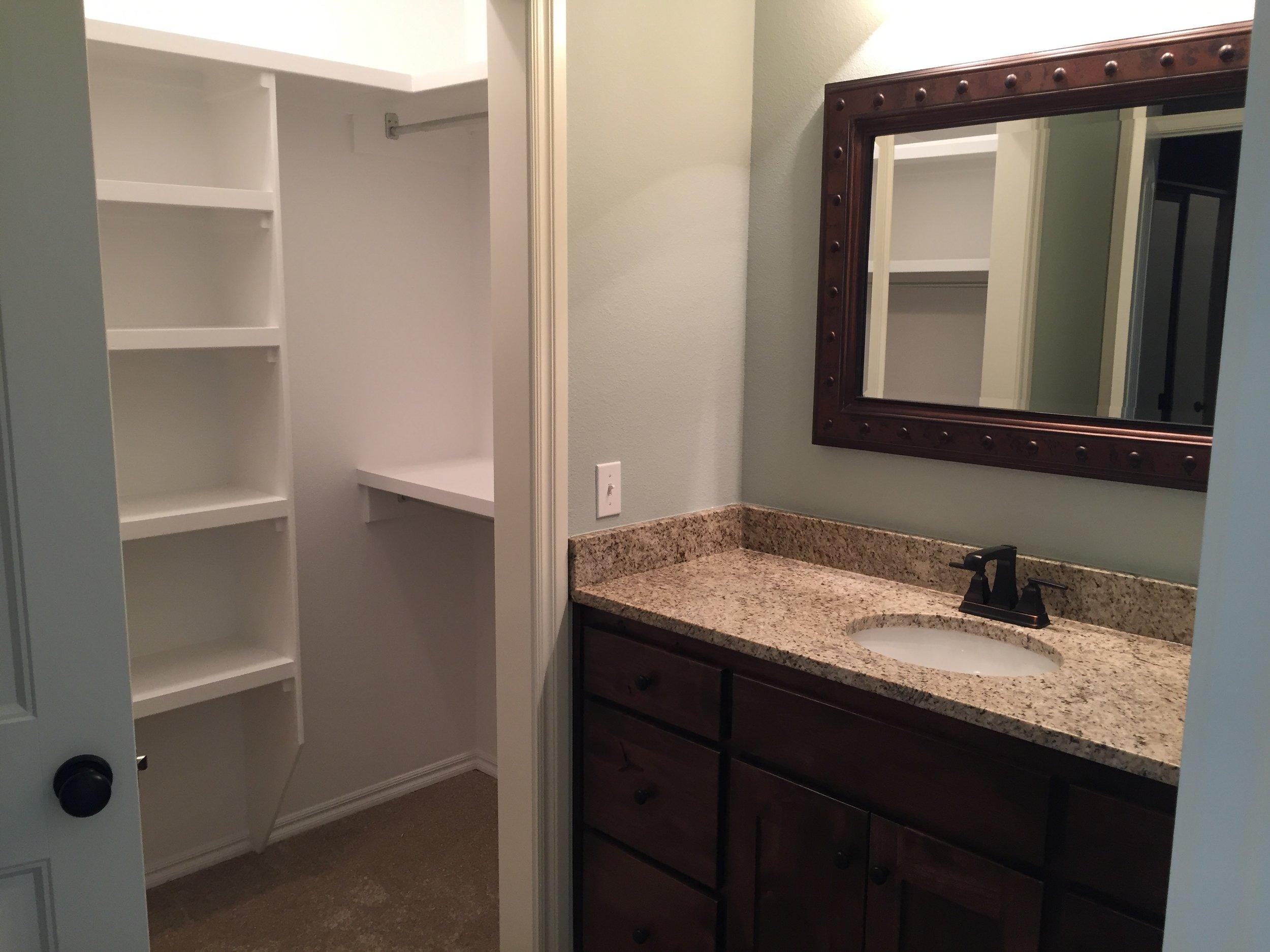3443 master private vanity/closet