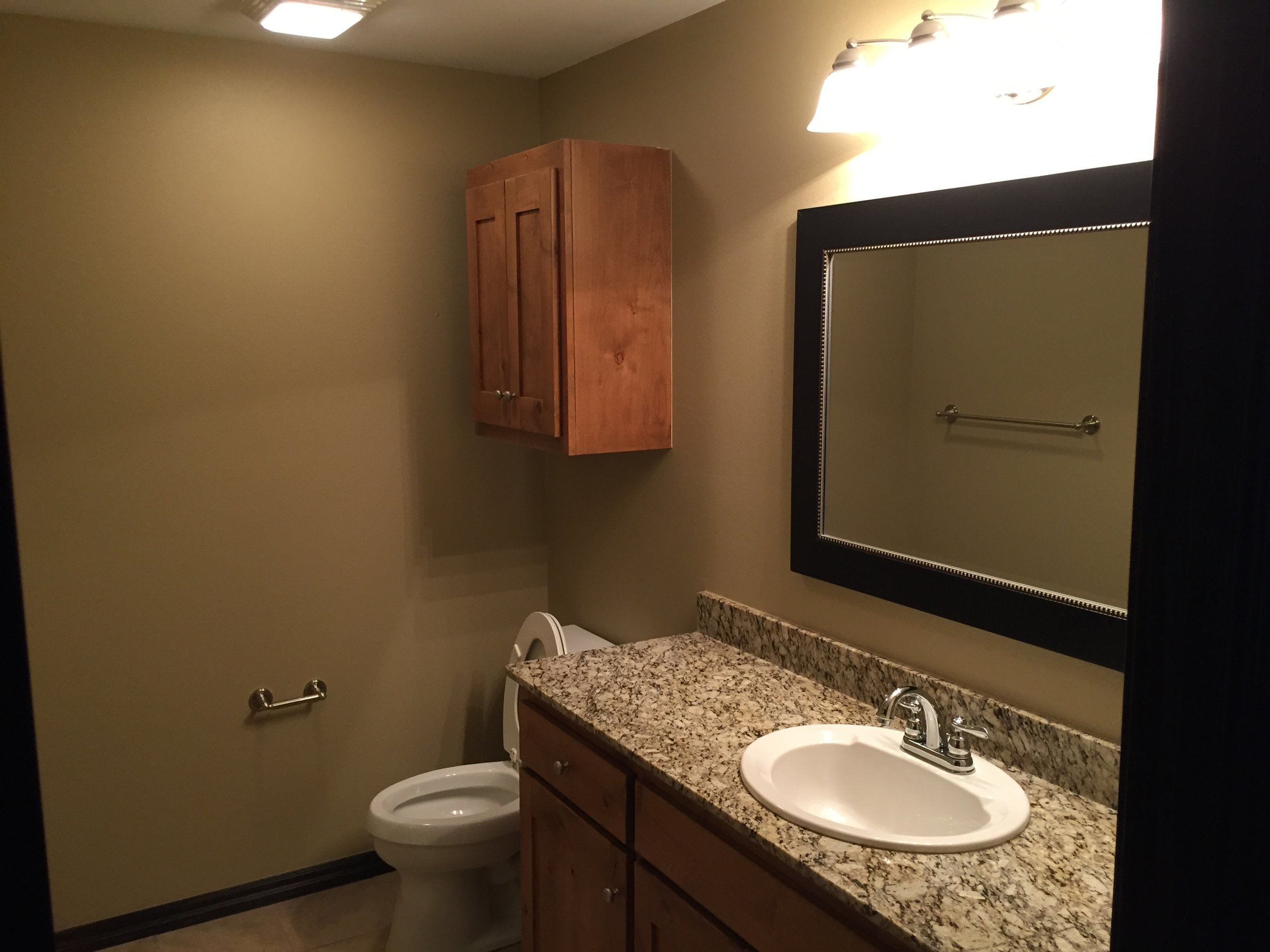 2011 se nova ave unit 4 bathroom