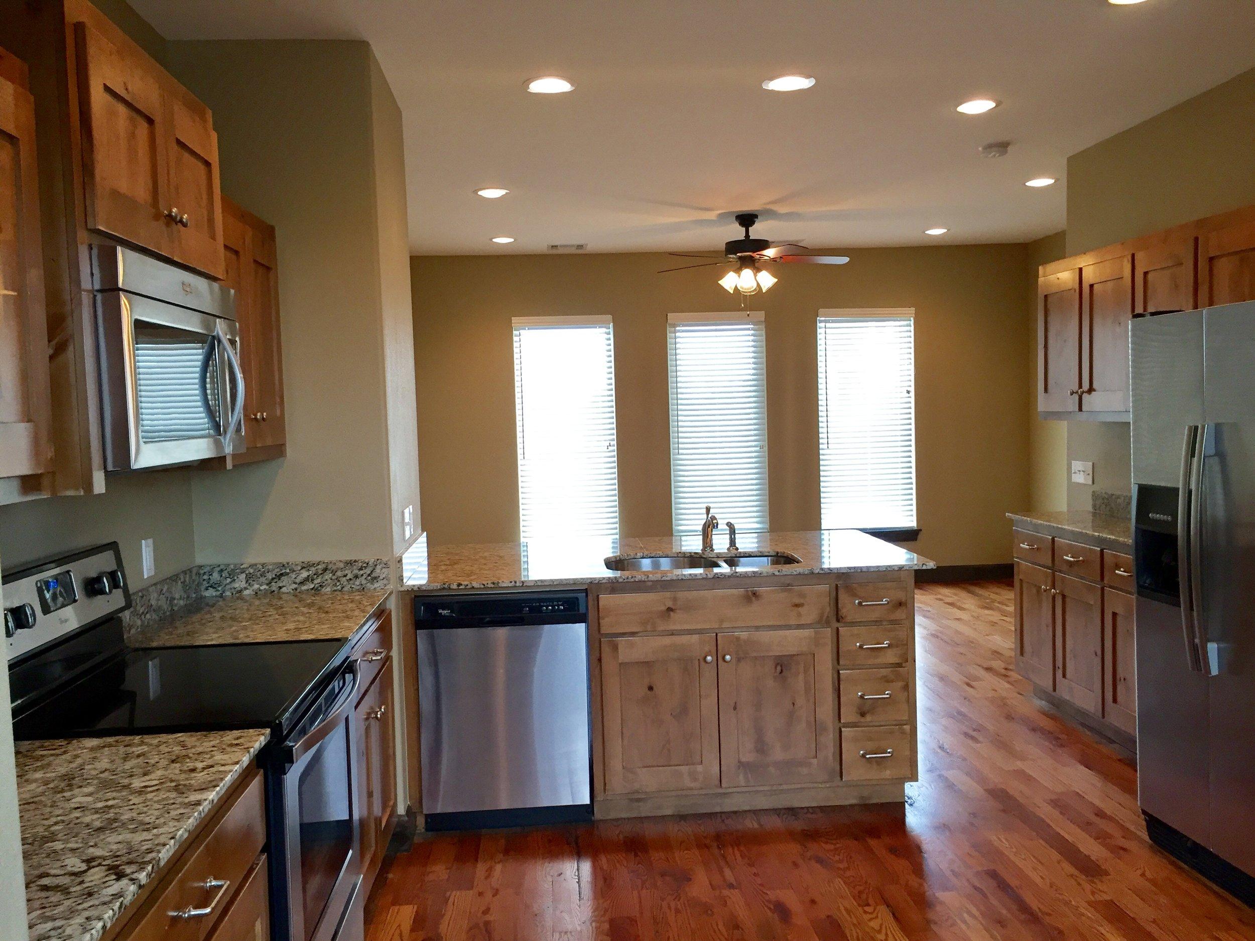 2011 se nova ave unit 4 kitchen