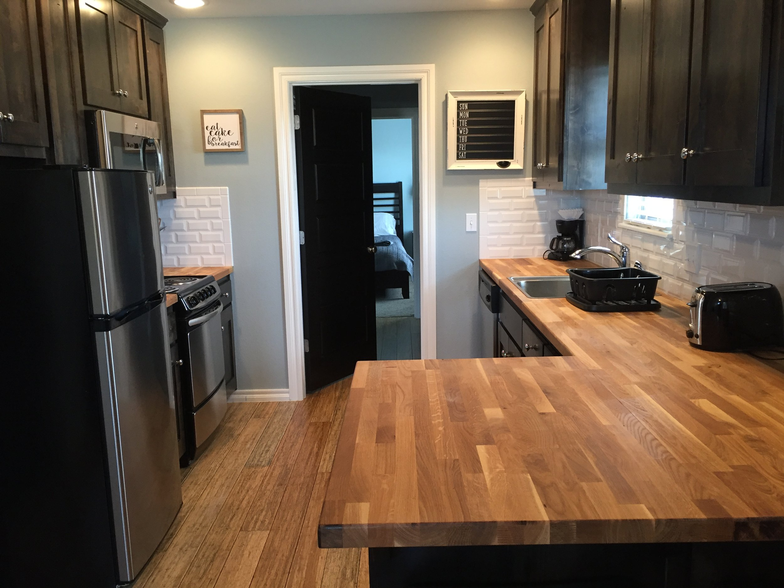 Clubhouse Cottages West 3404 A Kitchen.jpg