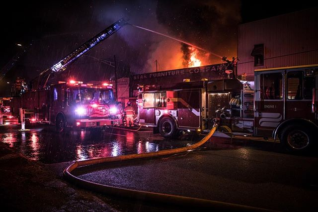 Massive #2alarm fire last night. Good work by @shreveportfiredept saving a church that was attached to the fire structure. #chiefmiller #fire #fireman #firefighter