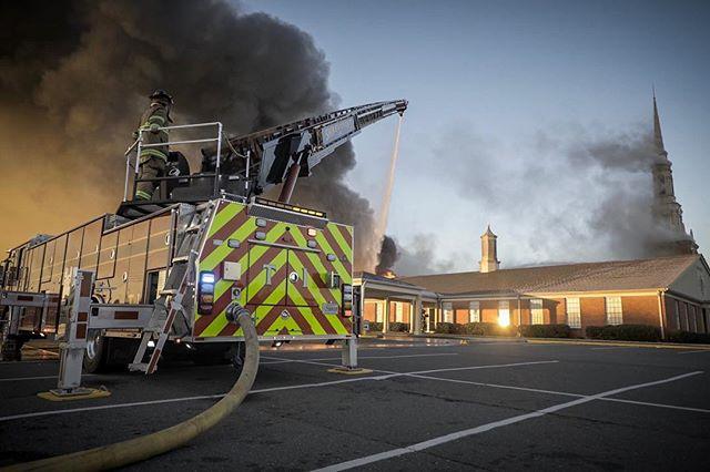Massive Church #fire this morning in Bossier City, LA. Multiple agencies on scene. No injuries thus far. #chiefmiller #fireman #2alarm #paramedic #firefighter
