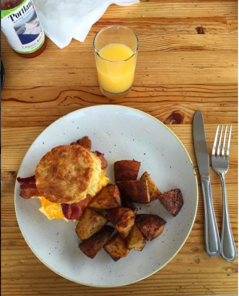 YAS! Where has this breakfast sandwich been all my life? Family time and breakfast FTW.  #jacksonscorner   #biscuitsandwichforlife  #horchatalatteforlife