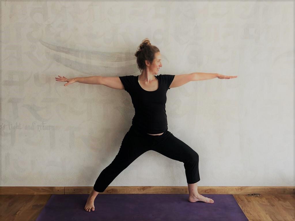 Lizzie Hacker pregnancy yoga Mahalaya Nepal.jpeg