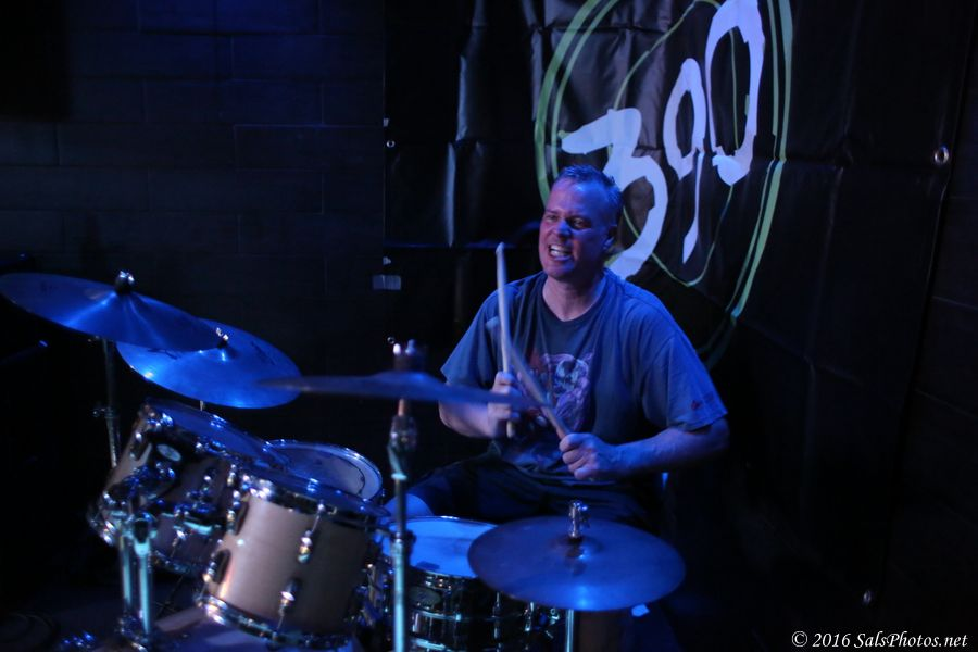 Mike Dempsey on drums!
