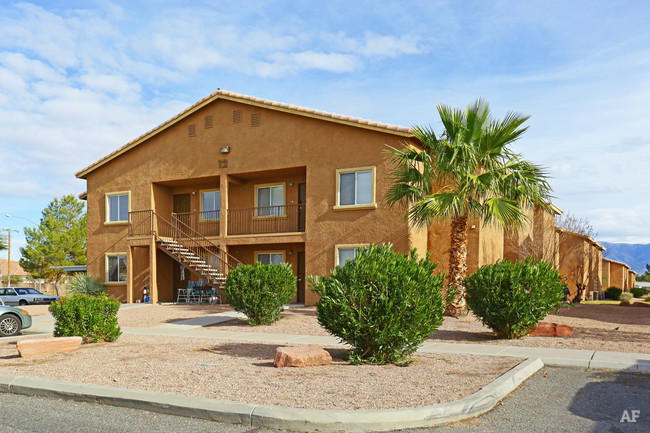 summerwind-apartments-mesquite-nv-building-photo.jpg