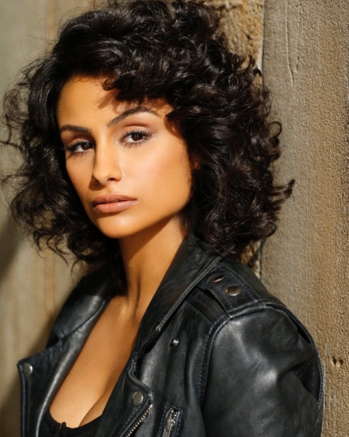 Nazanin Mandi - Depression; An illness that CAN be cured. Something that began for me at 18 years old but now is no longer a part of my life. A true disorder that affects your daily life and the people around you is all too common & at an all time high. The goal is to bring awareness, support and guidance to a disease most don't feel comfortable talking about. Unity is strength, you're not alone.