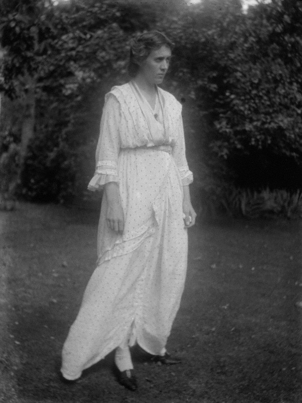 Vanessa Bell photo 1914.jpg