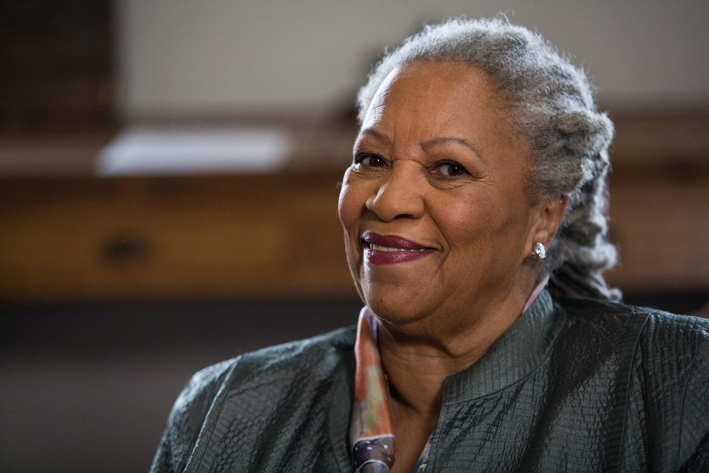 Toni Morrison rec Bellow Award.jpg