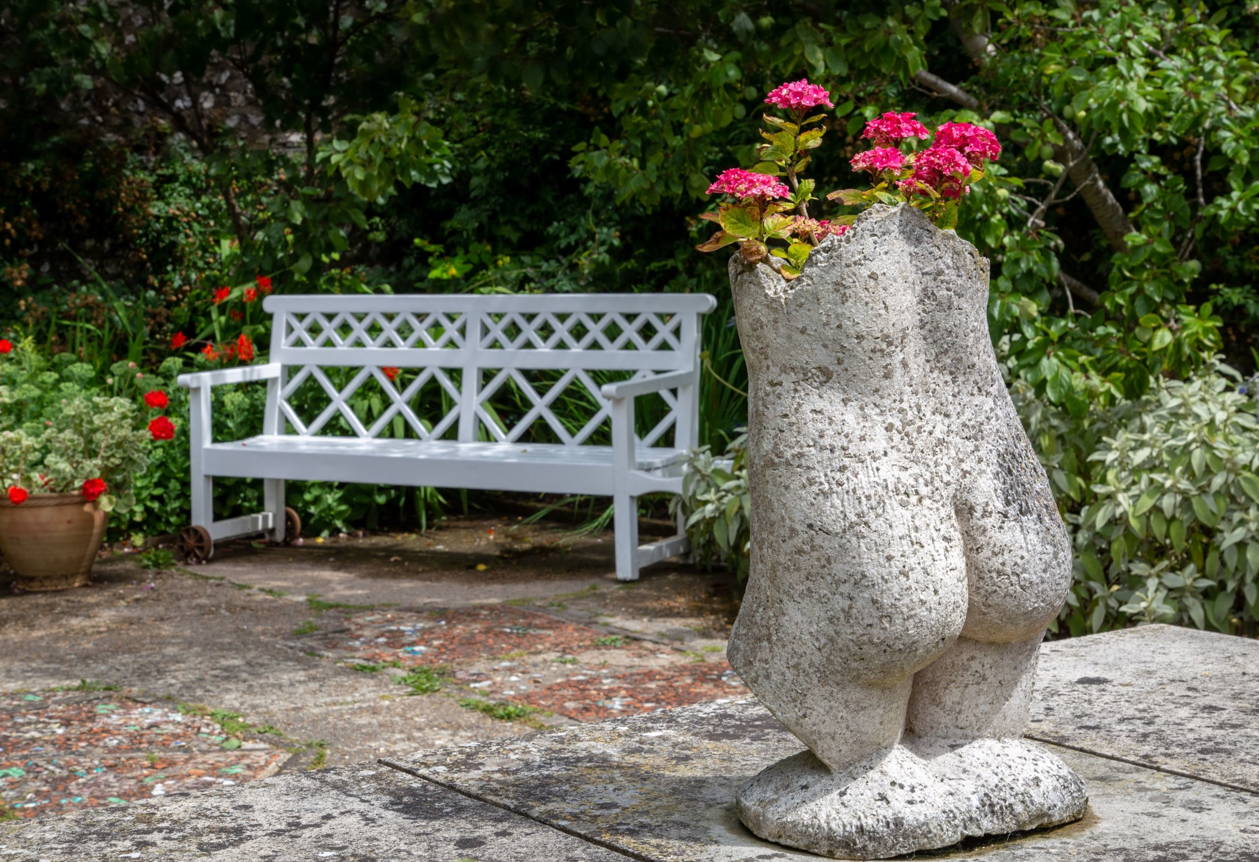 Flower pot bottom + bench.jpg