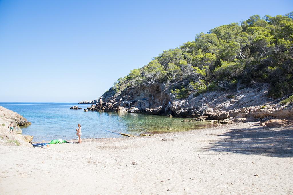 Cala-Xuclar_beach shot.jpg