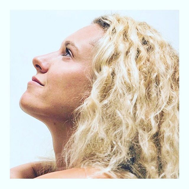 ✨YOGA & AYURVEDA WORKSHOP✨This Saturday 27th April 2-4.30pm at @yogahome_london 💥 Learn how to design your ideal practice in this fascinating workshop which brings the power for ultimate health back into your own hands 🙏🏼 ⁣⠀ Using the wisdom of Ayurveda, this workshop will empower you to start understanding yourself better, gaining greater clarity on how and when certain postures, meditation and pranayama (breathing) practices are better for you, depending on what is going on in your life.⁣⠀ ⁣⠀ You will gain practical tools and techniques to design your own optimised yoga and meditation/pranayama practices, based on the Quantum Yoga method.⁣⠀ ⁣⠀ Quantum Yoga is a method of personal practice optimisation, using Ayurvedic assessment tools to help you understand your dominant body-mind constitution or dosha: vata (air & ether), pitta (fire & water), kapha (earth & water). It is predominantly based on a dynamic/vinyasa flow practice, which works with your personal nature or prakriti. However, a more gentle practice is always encouraged, whenever your body requires it.⁣⠀ ⁣⠀ Understanding your dominant dosha will help you to know what practices work best for you.⁣⠀ ⁣⠀ All levels welcome!⁣⠀ ⁣⠀ Get in touch or visit http://yogahome.com/pages/workshops--courses for bookings.⁣⠀ .⁣⠀ .⁣⠀ .⁣⠀ #yogahome #homeofyoga #ayurveda #workshop #practice #practiceandalliscoming #empower #meditation #pranayama #quantamyoga #dosha #vata #pitta #kapha #dynamicflow #vinyasaflow #prakriti #dominantdosha #movement #yogaeveryday #vinyasa