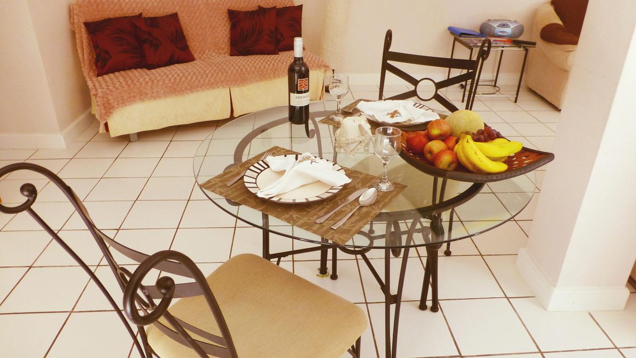 Dining Area 1/2