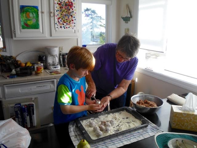 Zach Fincher lost his nana, Suzan, on Dec. 27, 2011. Suzan was known for her amazing cooking skills.   Here's an older photo of her enjoying time in the kitchen with her grandson.