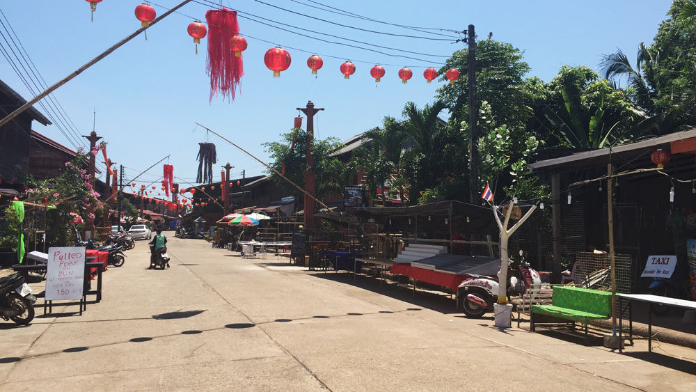 Old Town was pretty quiet—just tourist shops and restaurants.