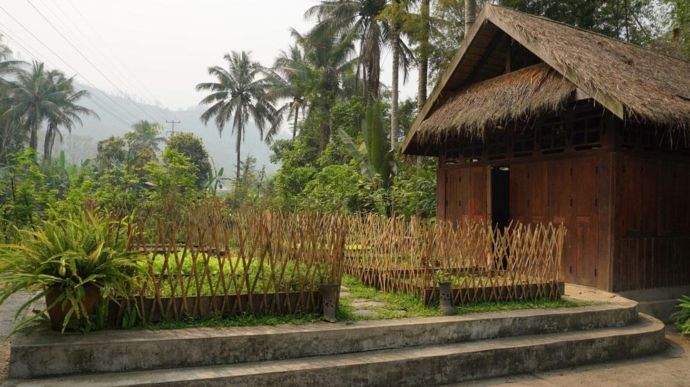 The beautiful Tamarind cooking school garden