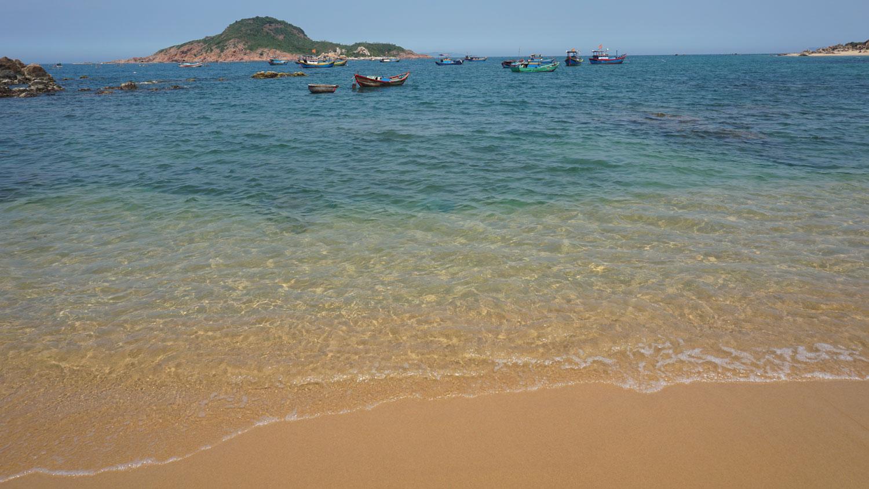 The gorgeous beach at Bai Xep