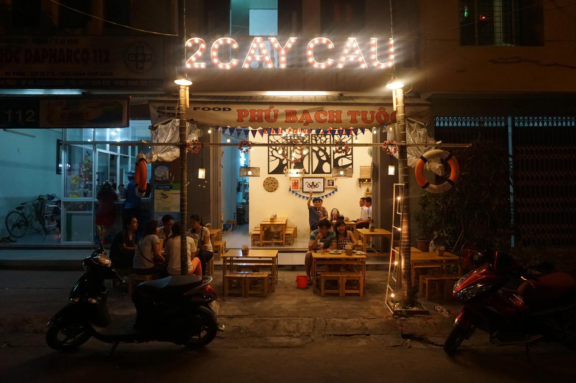 Saying hi to locals, Da Nang