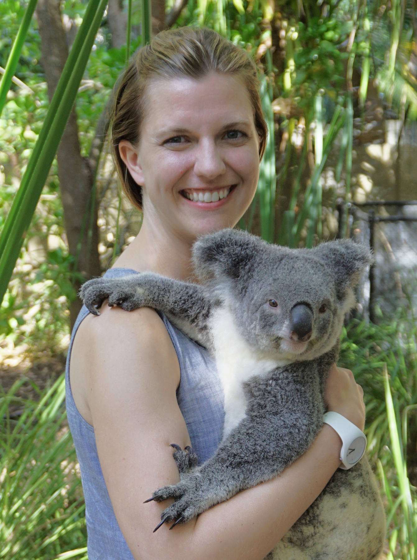 My happy smile conceals a slight fear that the koala might dig those long claws into my skin... thankfully, she did not.