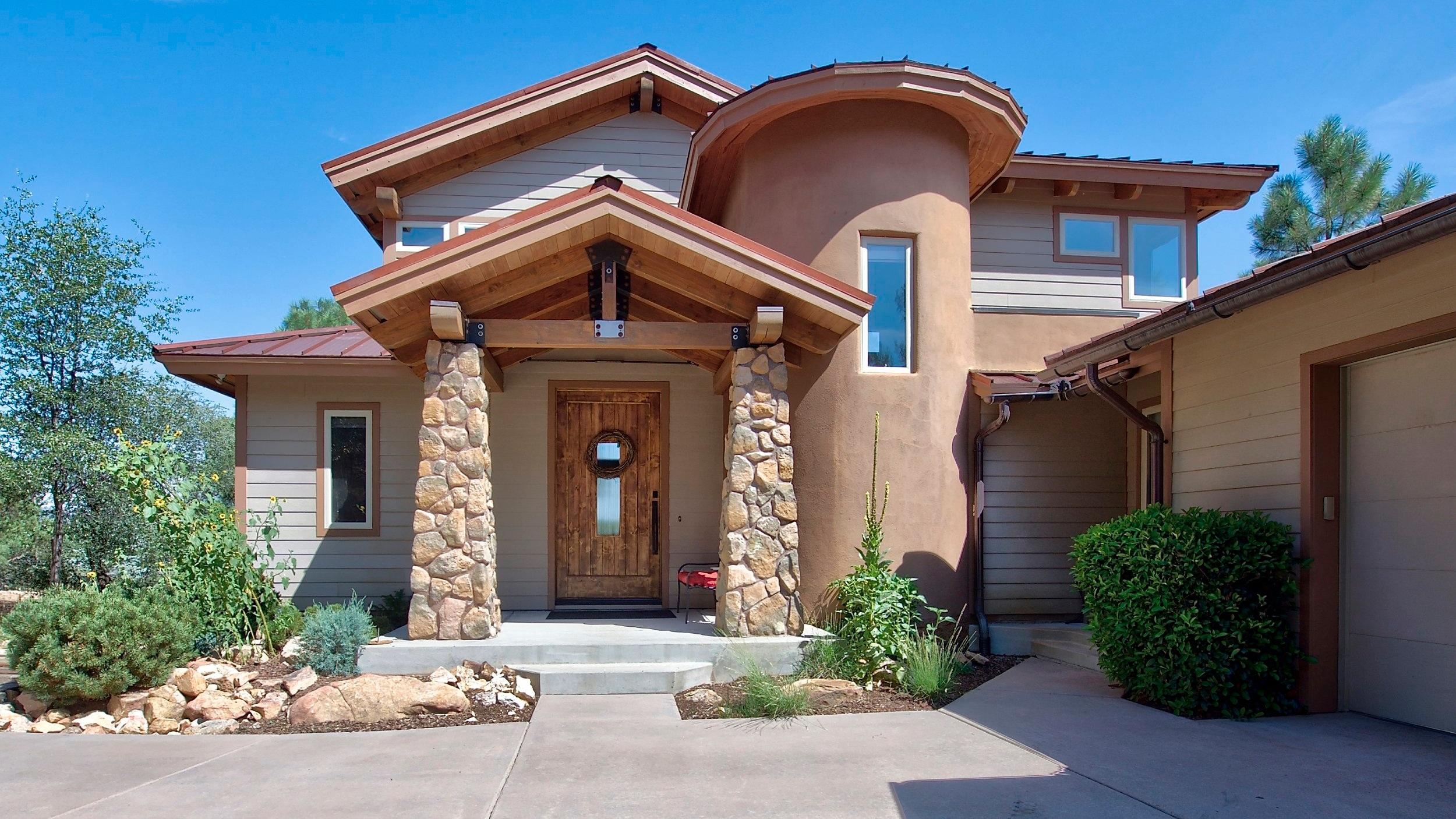 Prescott.  3500 sq ft . -  $850,000