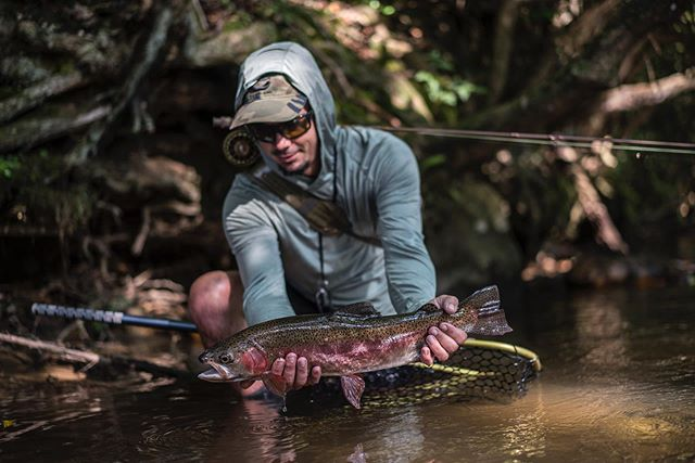 Specialist @danielmassingale crushing hearts daily on the creeks of North Georgia #flyfishing #georgia #flyshopco #craftedforchaos #costadelmar #rising3474 #cortlandline