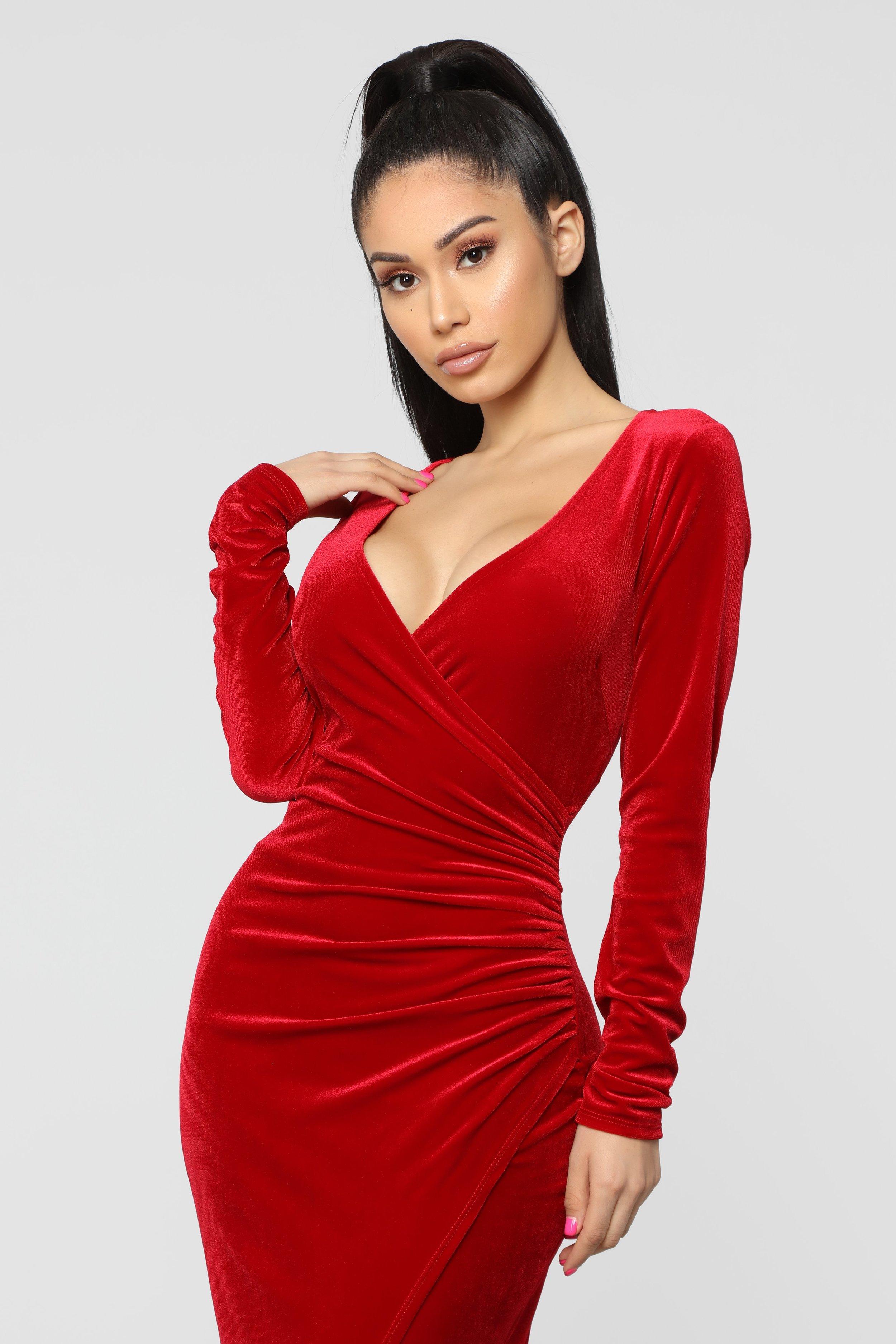 Never Ending Maxi Dress via @FashionNova