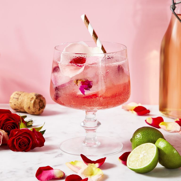 28 of the sexiest cocktails to sip on - See more @cosmopolitan
