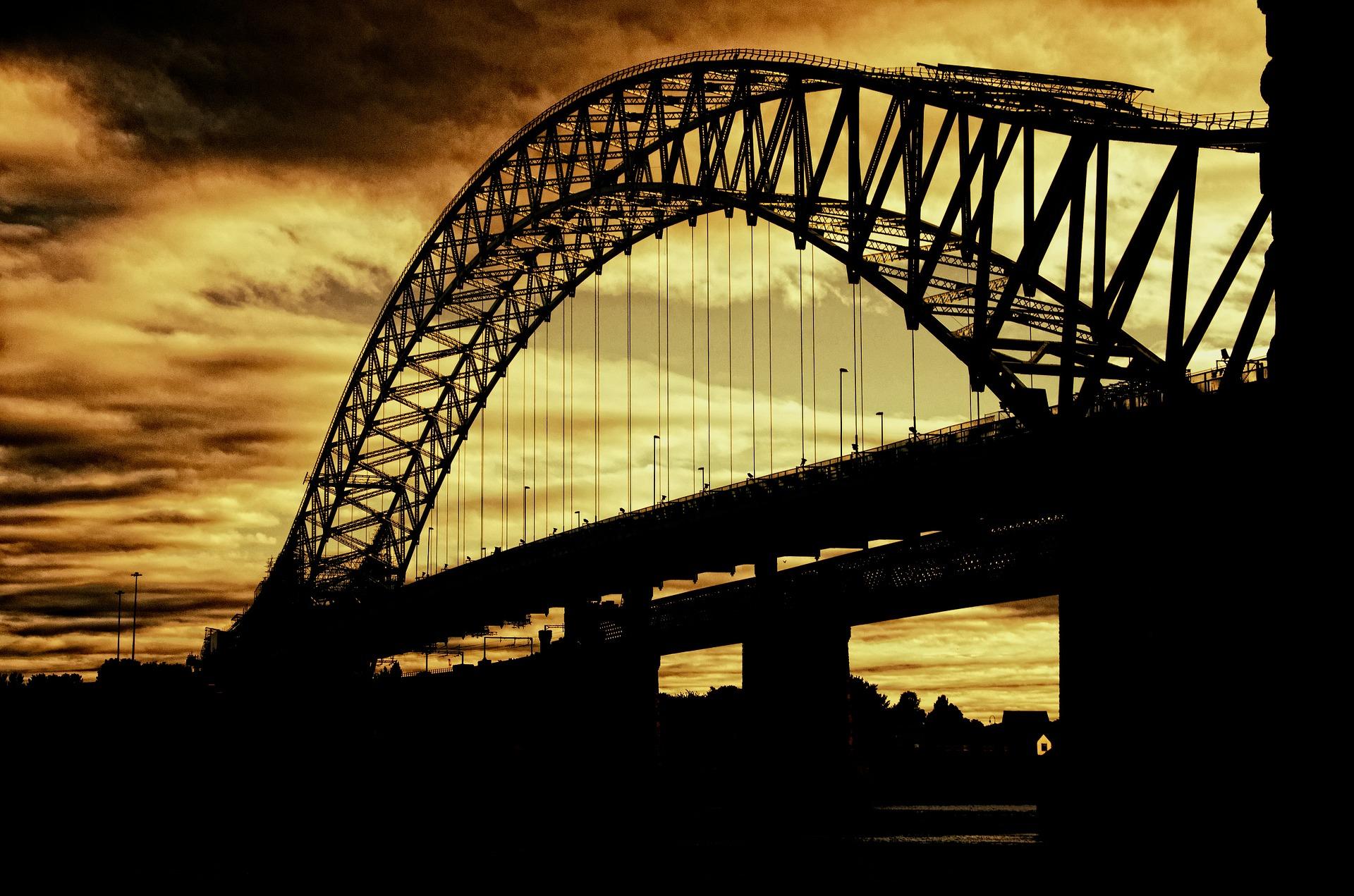 silver-jubilee-bridge-402943_1920.jpg