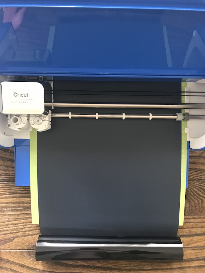 Joann - CRICUT - Explore Air 2 Cobalt.JPG