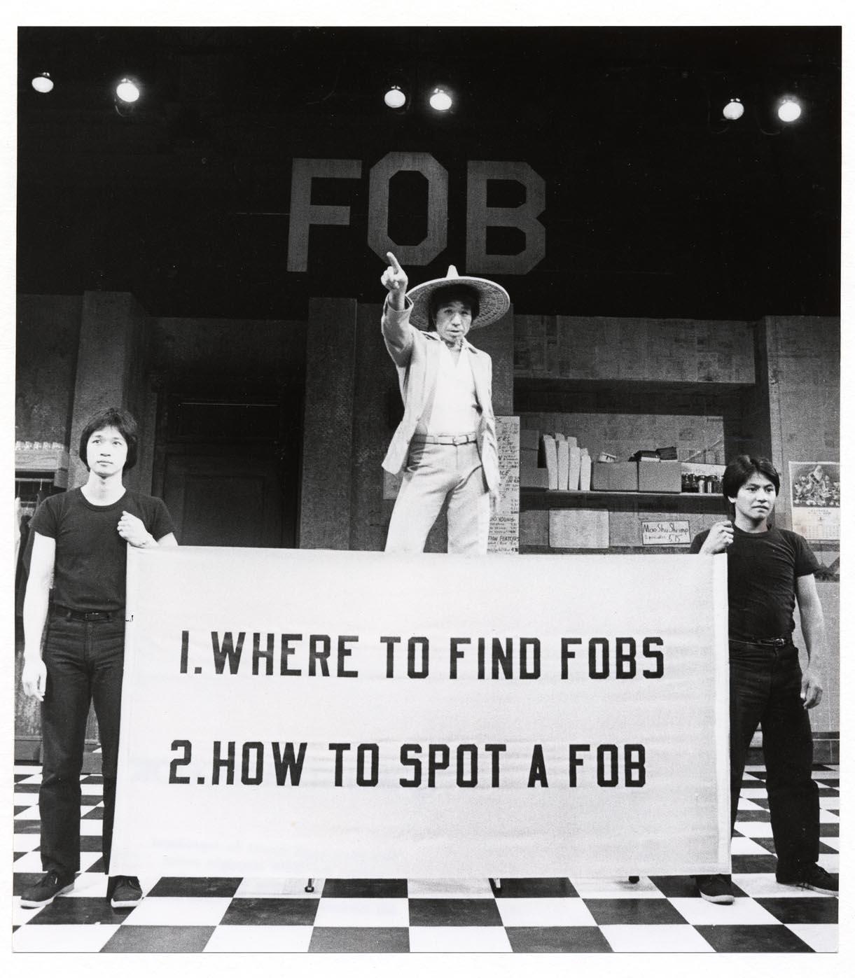 Tzi Ma, Calvin Jung, 和Willy Corpus1980年《FOB》在公共剧院的演出中。摄影:Martha Swope