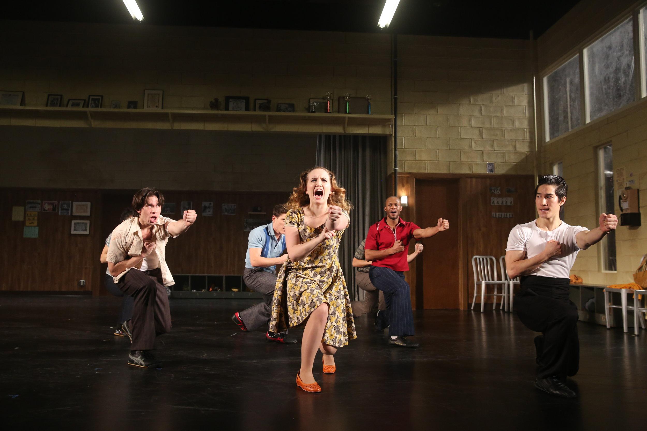 Jon Rua, Phoebe Strole, Emmanuel Brown, 和 Cole Horibe。 图片来源: Joan Marcus,署名剧院,2014