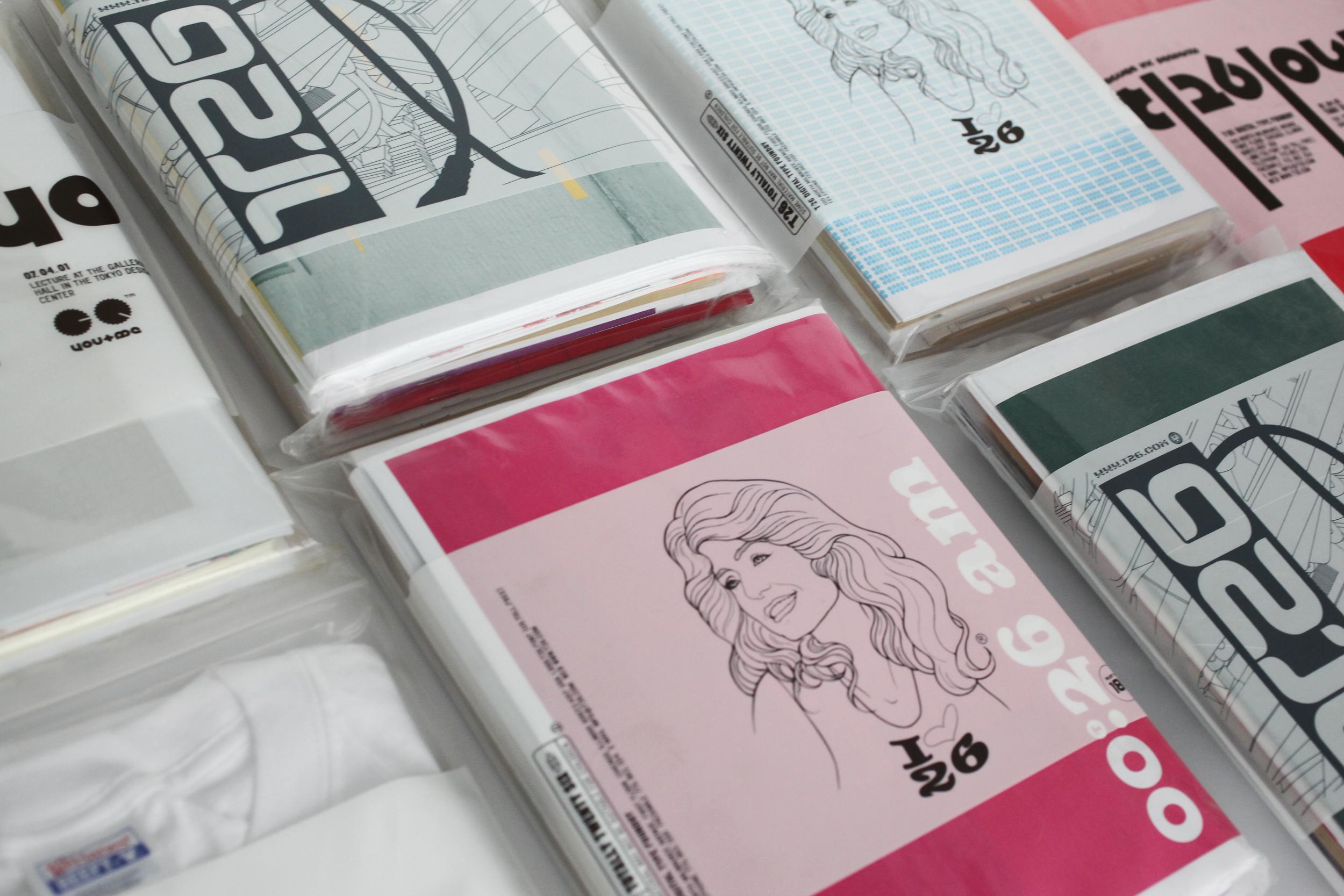 t26_font-bag_girl_02_2500w.jpg