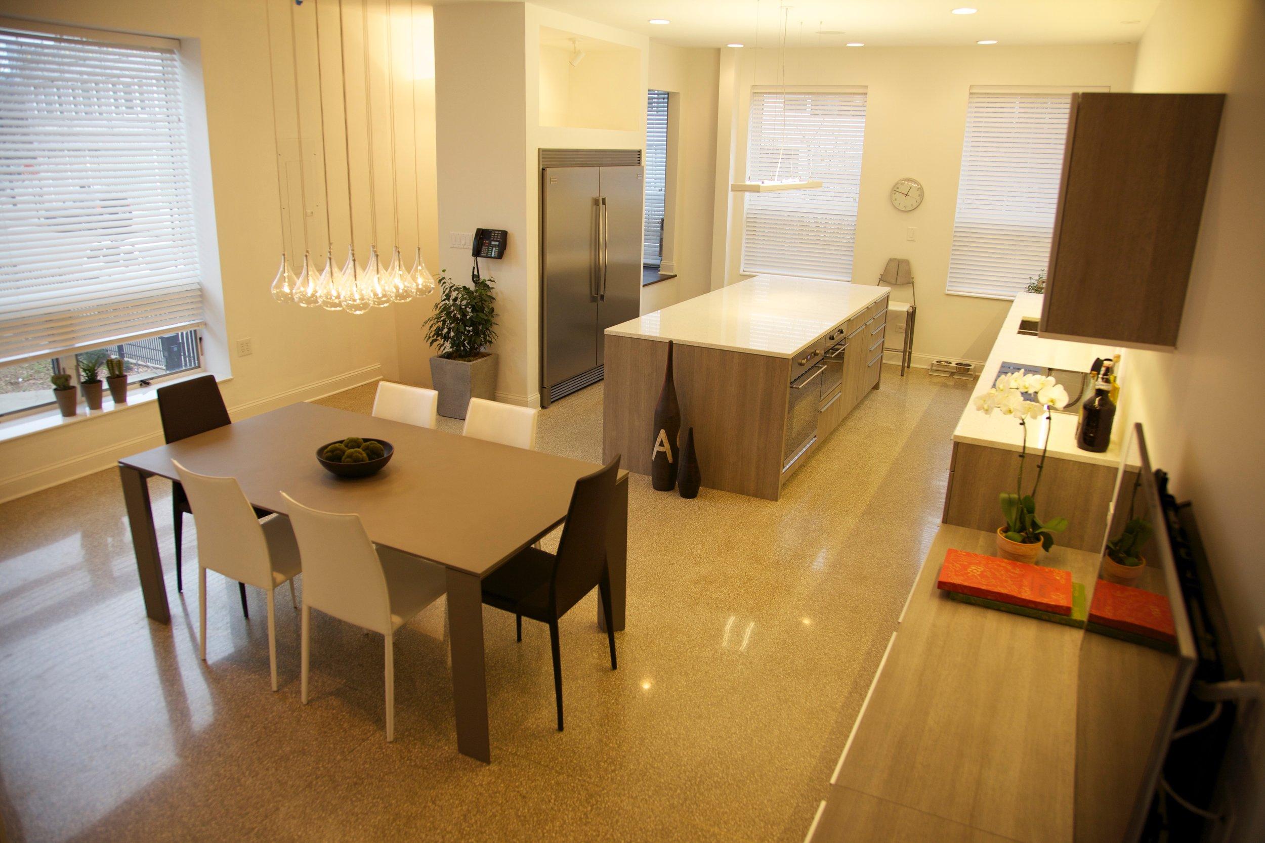 1110_kitchen_3.jpg