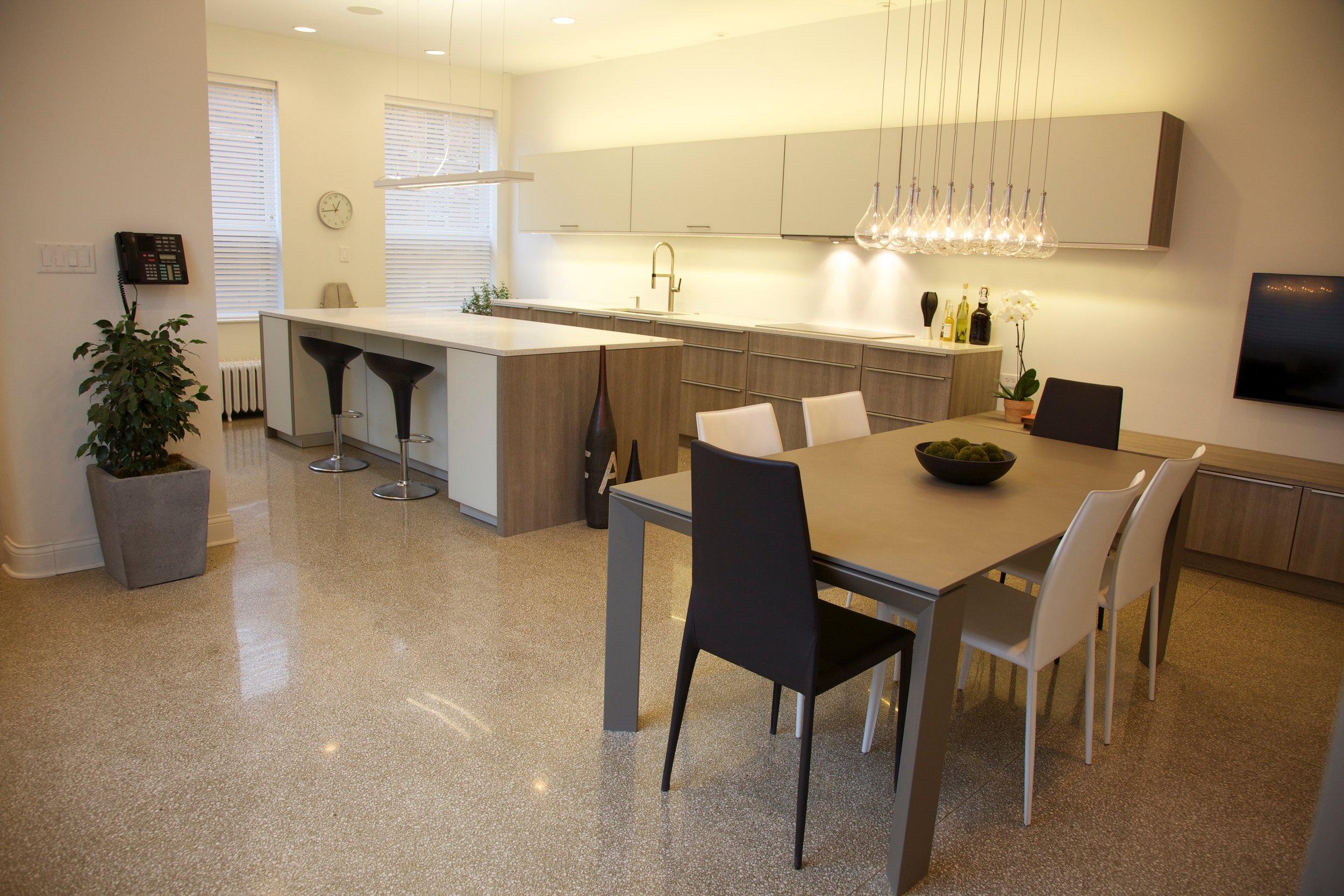 1110_kitchen_4.jpg