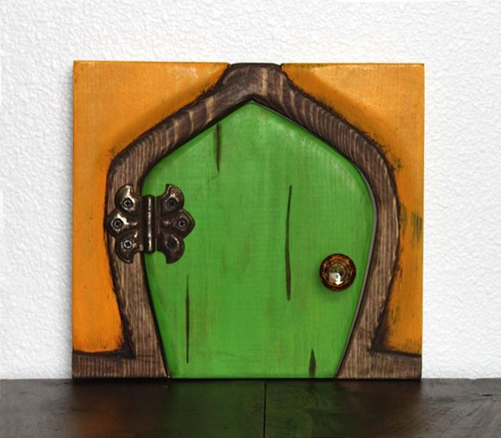 grn-apple_door_cp.jpg