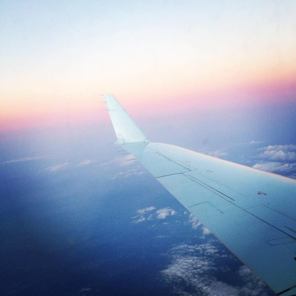 Pink_sky_Montreal_flight.jpg