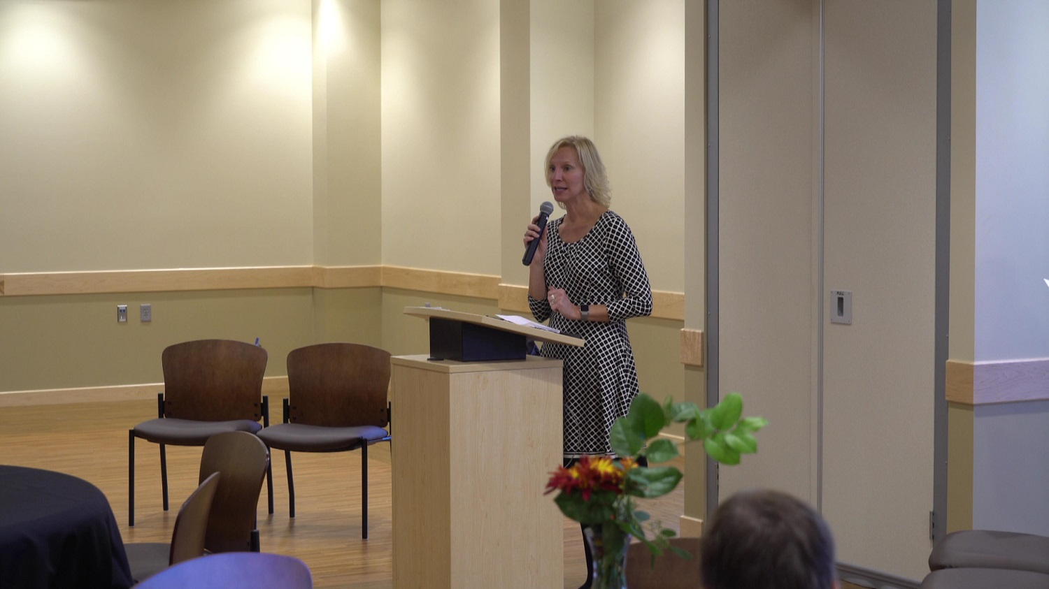 125 lIve Director, Sallye GGallagher, speaks at the dedication to the facility
